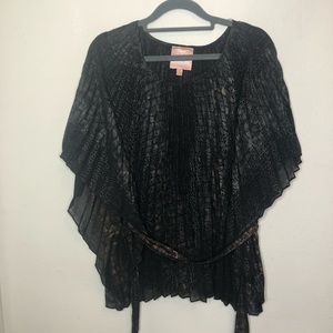 Romeo & Juliet Couture Pleated Top Size Medium